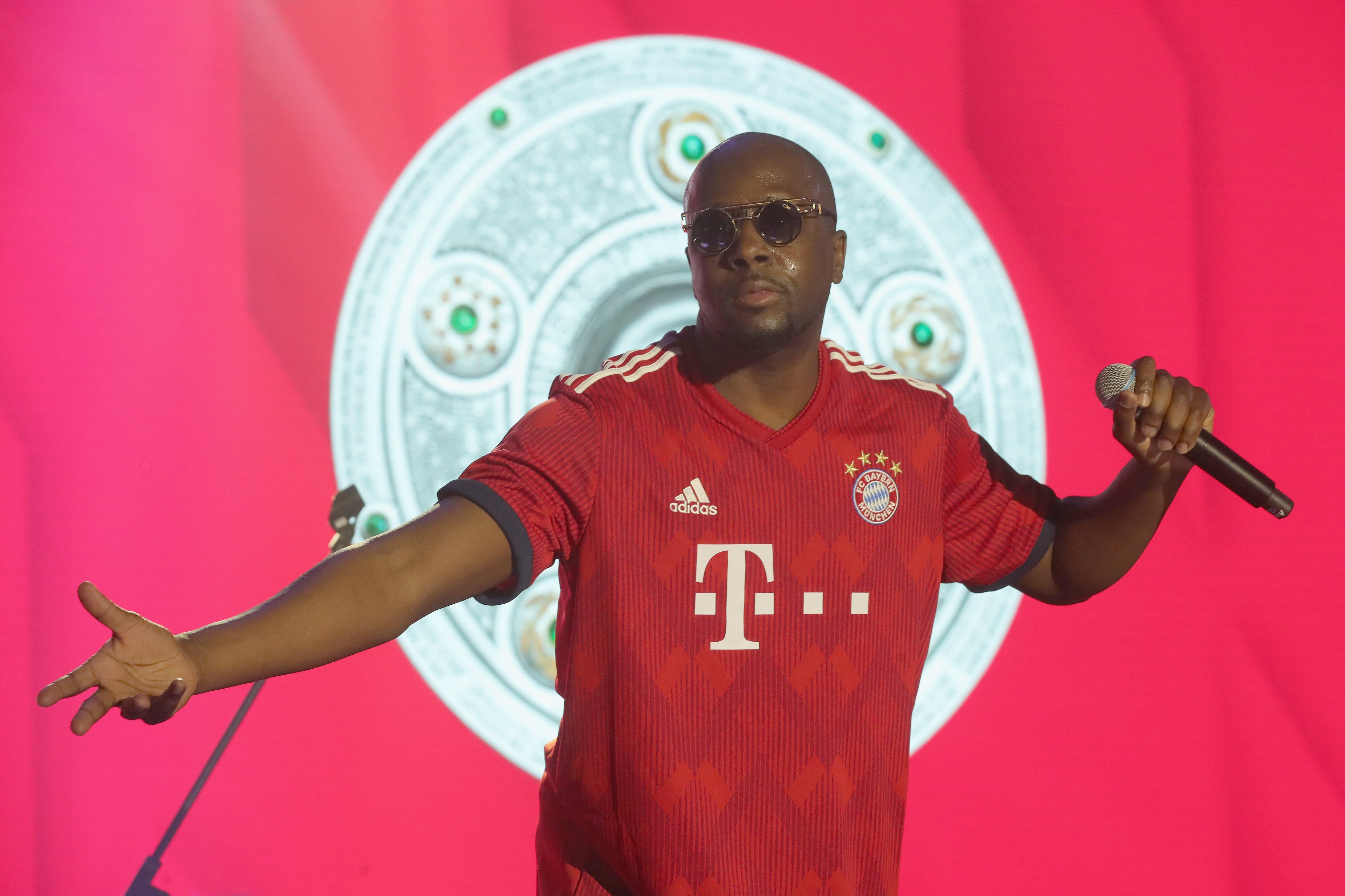 775162360AH00011_FC_Bayern_-min
